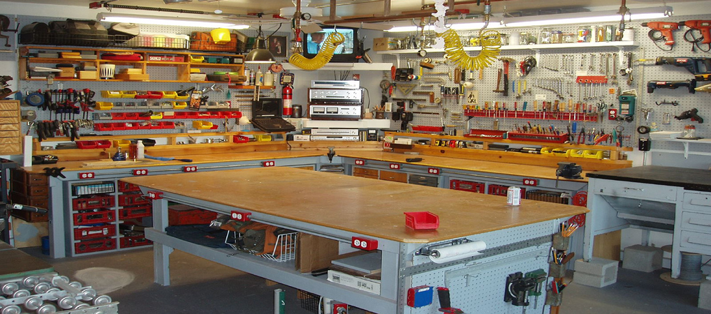 Johns Basement Woodshop Shop Tour in addition Pdf Plans Small Woodworking Shop Layouts Download Plain Wood Plaque as well Watch likewise Electronics Workbench likewise Ron Paulk Super Mobile Woodshop Is  plete And He Posted The Sketchup Plans For Free Download. on garage woodworking shop layout